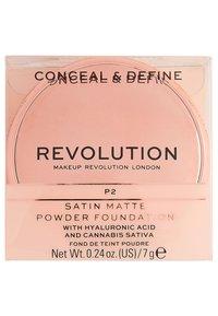 Make up Revolution - CONCEAL & DEFINE POWDER FOUNDATION - Foundation - p2 - 4