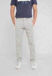 BOSS - LEEMAN - Kalhoty - light beige - 0