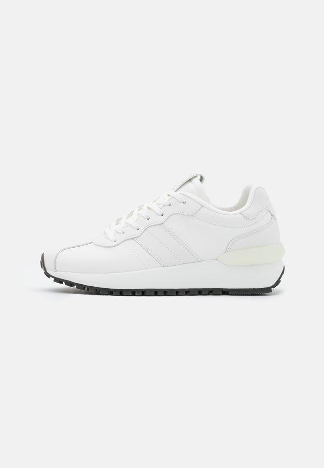 PIA  - Sneakers laag - white