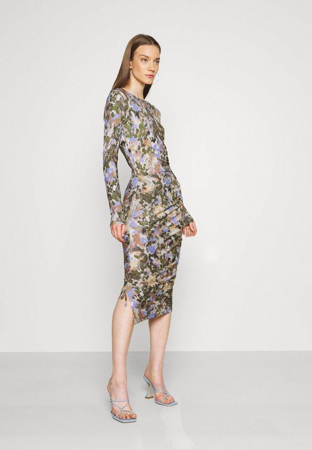 BALINA - Etui-jurk - lavender blue