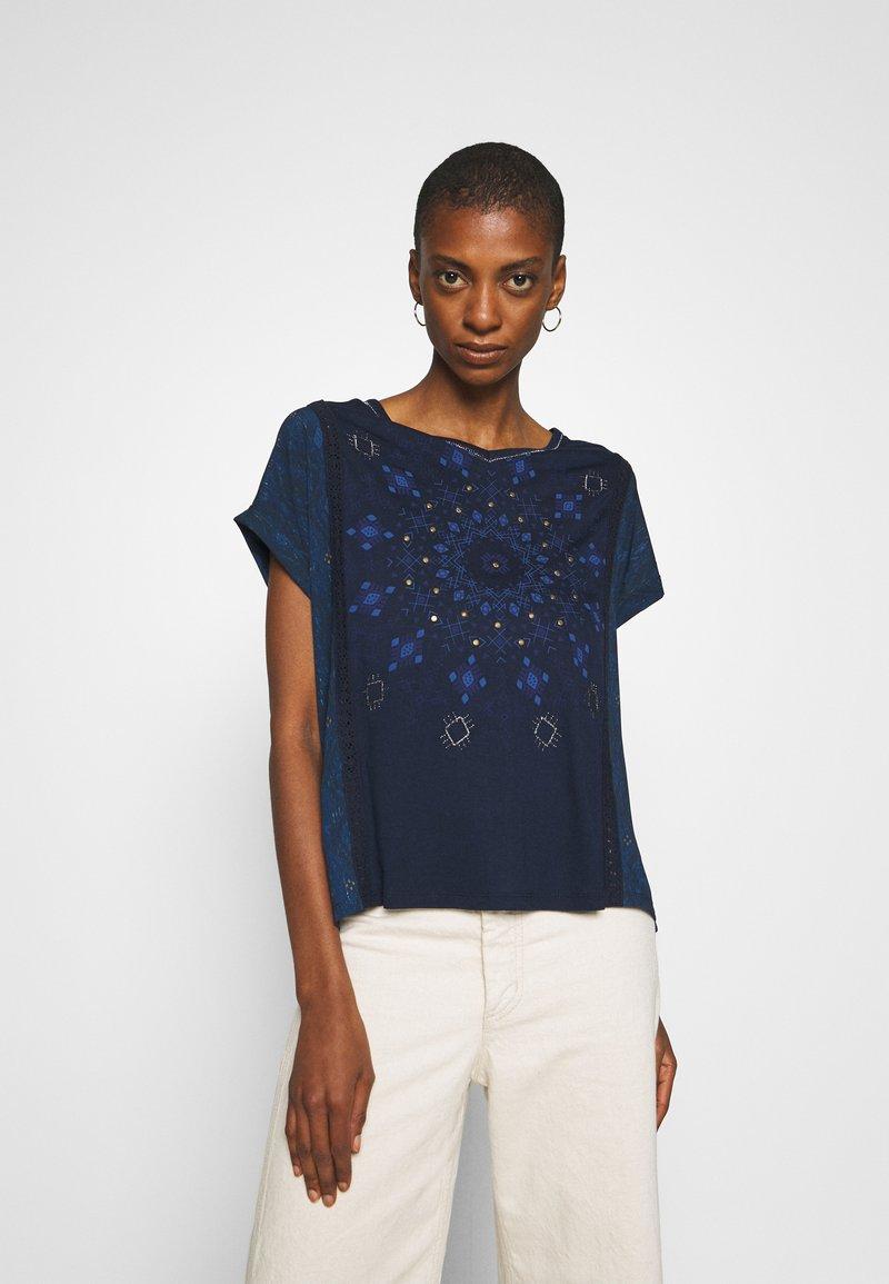 Desigual - DETROIT - Print T-shirt - marino