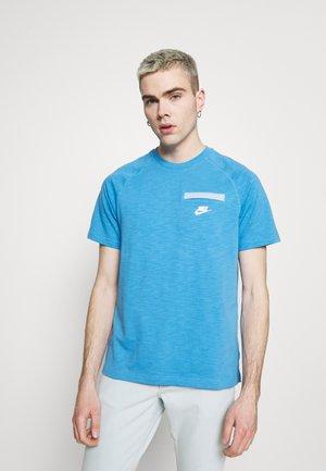 T-shirt basic - coast armory blue/white