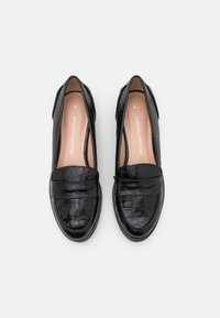 Dorothy Perkins - LINCOLN CHUNKY LOAFER - Mocassins - black - 4