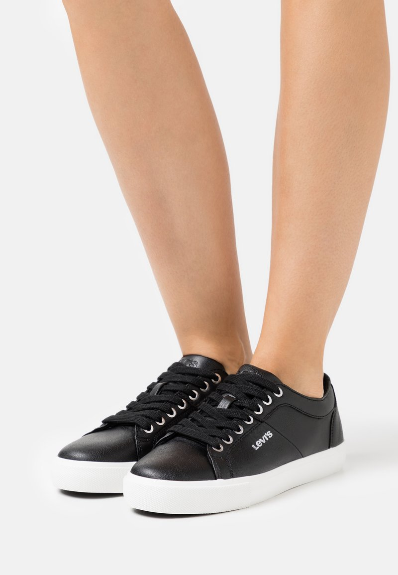 Levi's® - WOODWARD  - Sneakers laag - regular black