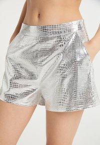 faina - Shorts - silber - 3