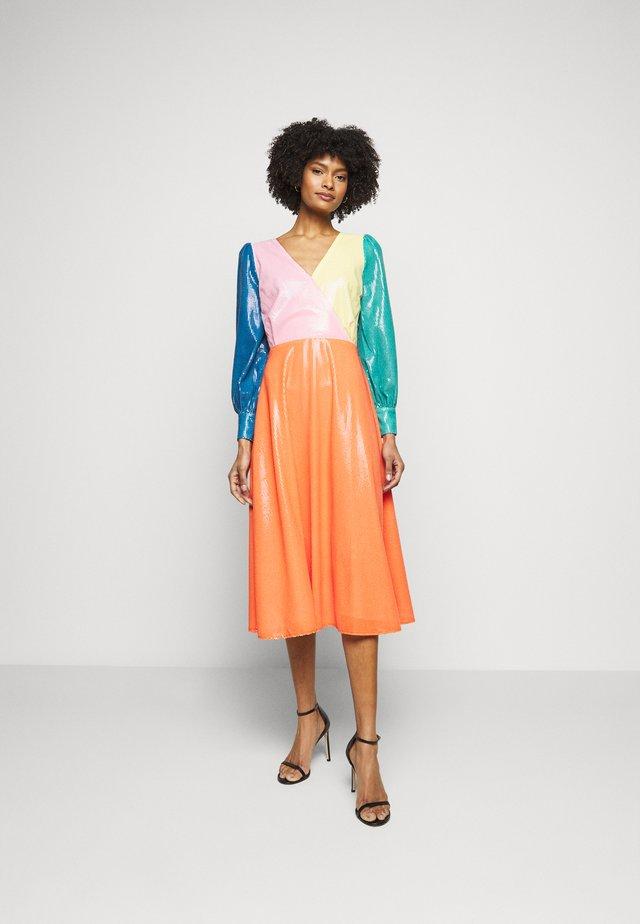 DANNII DRESS - Cocktailkjoler / festkjoler - multi-coloured