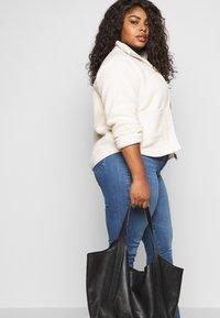 Levi's® Plus - 311 SHAPING SKINNY - Jeans Skinny Fit - rio falls plus - 4