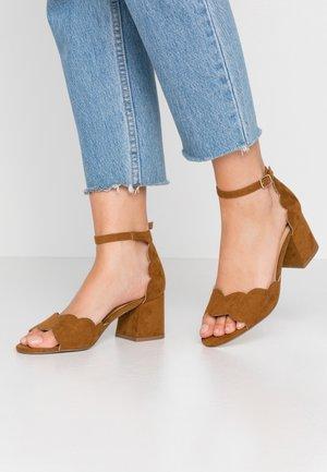 Sandals - hazel