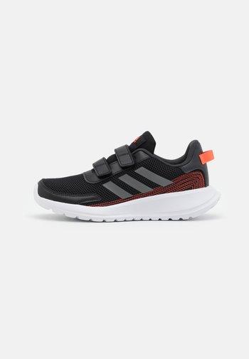 TENSAUR RUN UNISEX - Hardloopschoenen neutraal - core black/footwear white