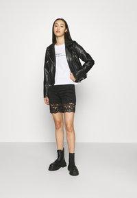 Vila - VIJASMIN FESTIVAL - Shorts - black - 1