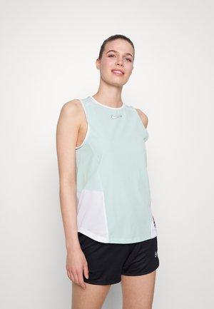 FC - T-shirt sportiva - light dew/white