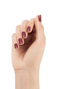 Essie - NAIL POLISH - Nail polish - 42 angora cardi - 2