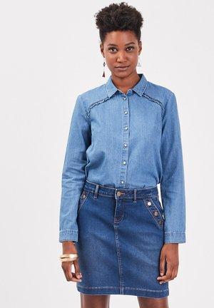 Button-down blouse - stone blue denim