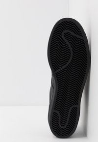 adidas Originals - SUPERSTAR - Sneakers laag - core black - 4
