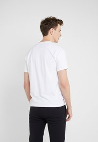 Bricktown - SMALL YIN YANG - T-Shirt basic - white - 2