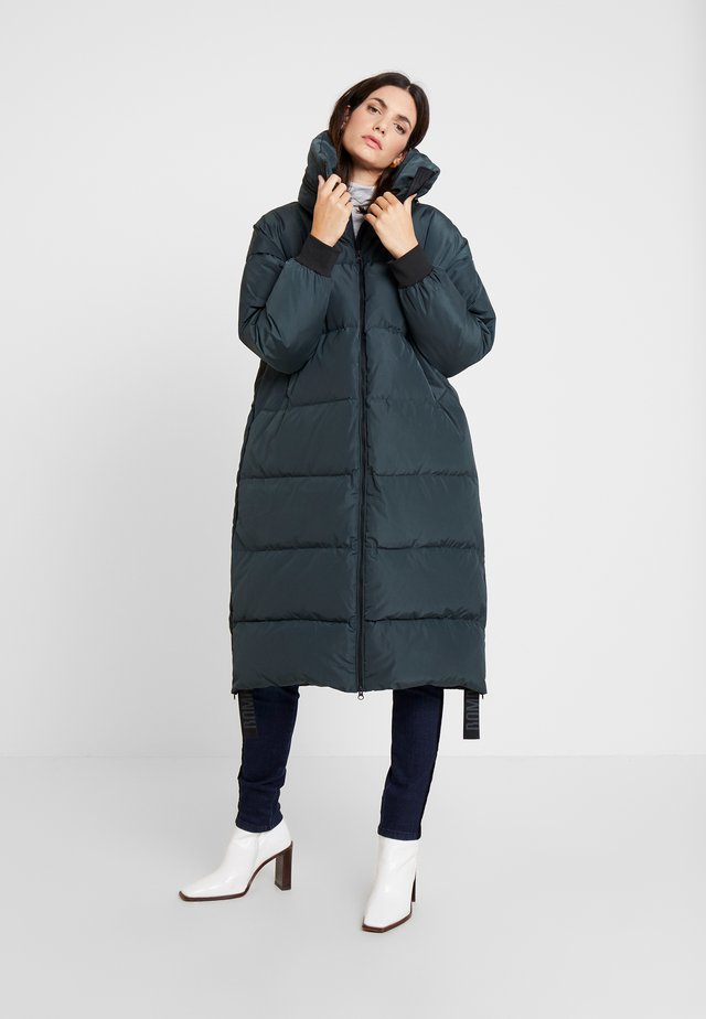 Down coat - scarab green
