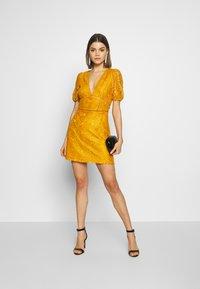 Fashion Union - LUCA - Vestido informal - yellow - 1