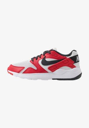 VICTORY - Sneakers - photon dust/dark smoke grey/university red