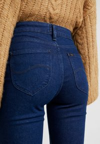 Lee - Flared Jeans - clean say - 5