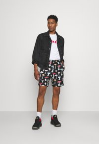 Primitive - ASHBURY BOARDSHORT - Shorts - black - 1