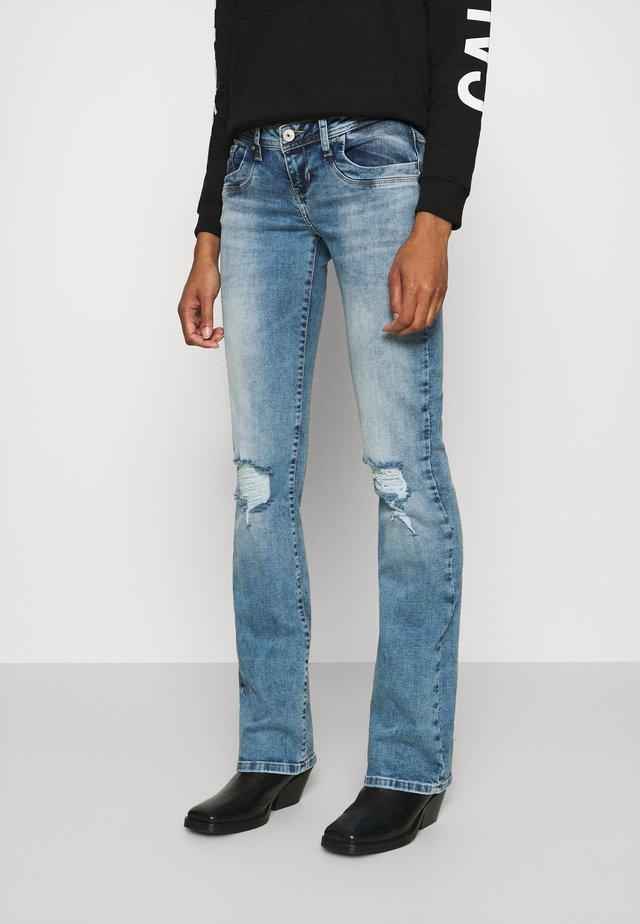 VALERIE - Jeans bootcut - parwin wash