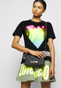Love Moschino - Triko spotiskem - black - 3