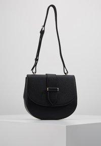 Decadent Copenhagen - KIM SATCHEL BAG - Across body bag - black - 0
