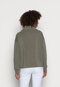 Opus - GRACEY  - Sweatshirt - soft moss - 2