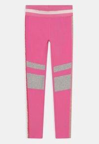 Guess - JUNIOR - Legginsy - pop pink - 0