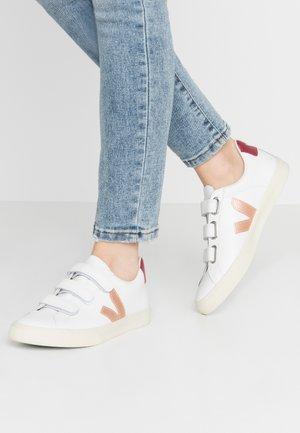 3-LOCK - Sneaker low - extra white/venus/marsala