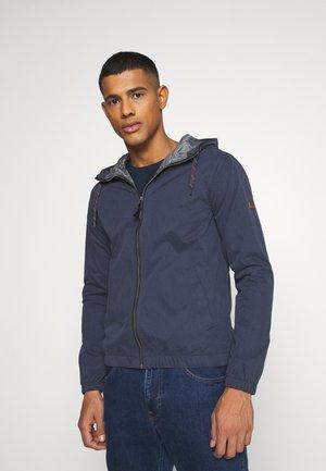 JJCRAMER JACKET - Lehká bunda - navy blazer