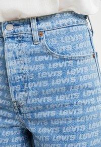 Levi's® - RIBCAGE  - Džínové kraťasy - levis all over - 3