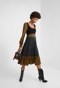 Opening Ceremony - MIXED MIDI DRESS - Day dress - goldenrod - 1