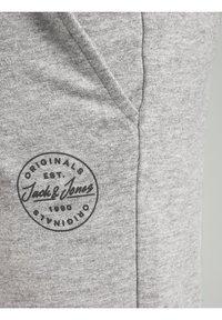 Jack & Jones Junior - Shorts - light grey melange - 6