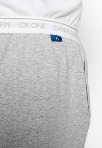 Calvin Klein Underwear - CK ONE JOGGER - Pyjama bottoms - grey - 5