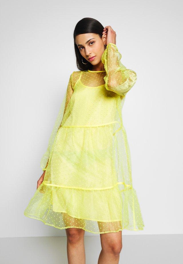 Vapaa-ajan mekko - lemon drop