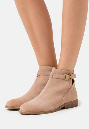 LAWSON BOOTIE - Bottines - dark camel