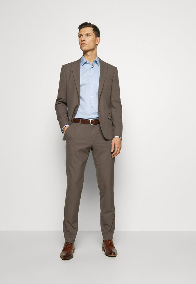 DREJER JEPSEN SUIT - Dress - brown