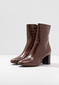 Jonak - DIDLANEO - Classic ankle boots - cognac - 4