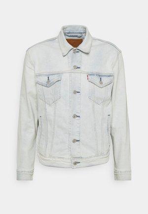 THE TRUCKER JACKET - Denim jacket - pale shade indigo