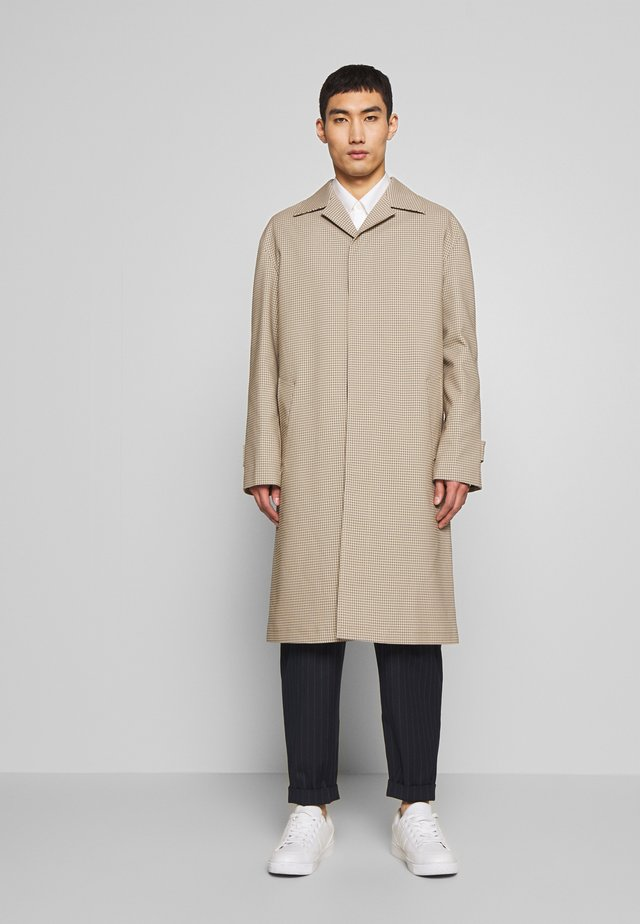 FLORENCE HOUNDSTOOTH - Classic coat - camel