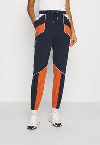 Ellesse - RACE TRACK PANT - Pantalones deportivos - green - 0