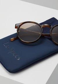 Le Specs - TEEN SPIRIT DEUX - Aurinkolasit - tort - 3