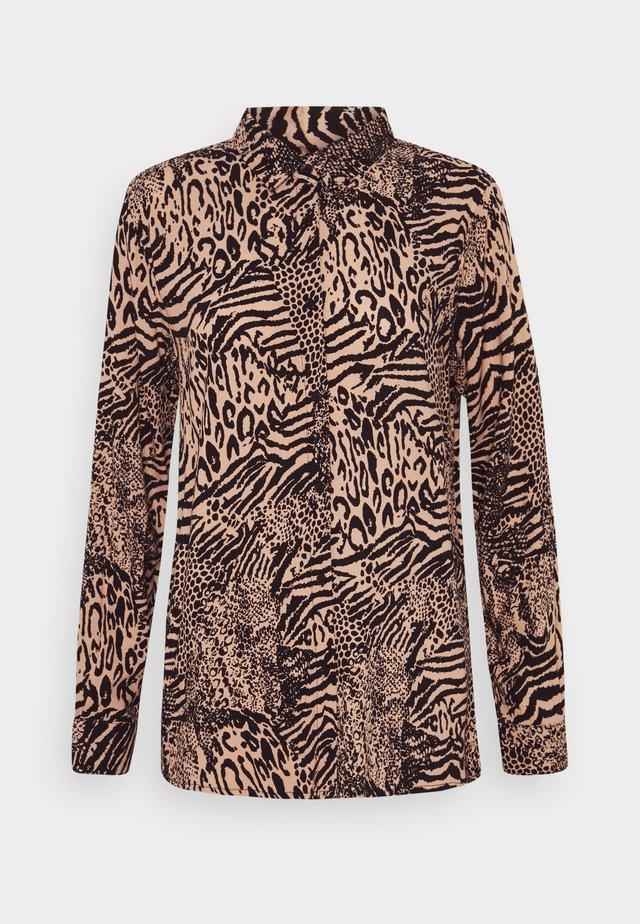 VERA - Button-down blouse - oxford tan
