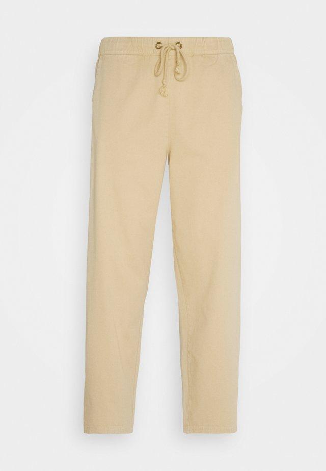 STRAIGHT HEM PANTS - Chino - beige
