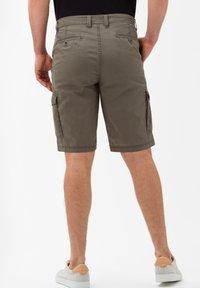 BRAX - STYLE BRAZIL - Shorts - khaki - 2