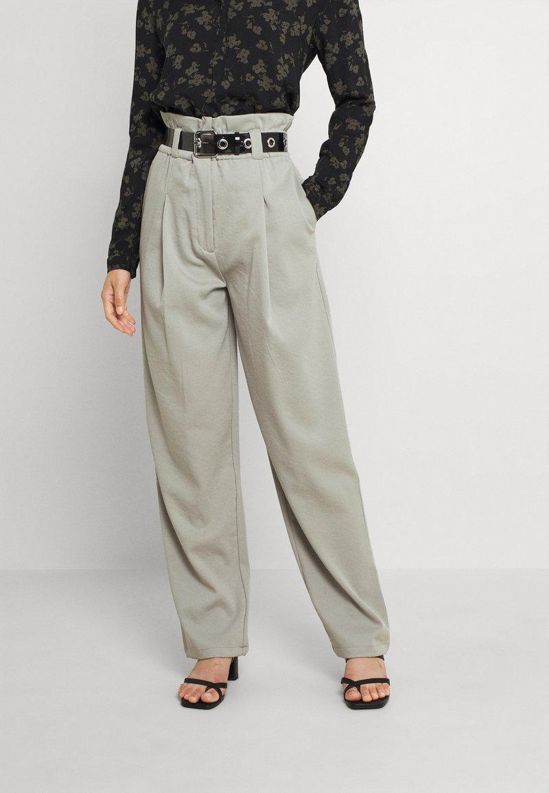 EDITED - DANA PANTS - Trousers - grau