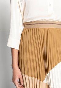 Mos Mosh - MORELLA PLISSE SKIRT - Pleated skirt - incense - 3
