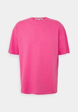 BUTTERFLY CLOUDS UNISEX - Print T-shirt - azalea pink
