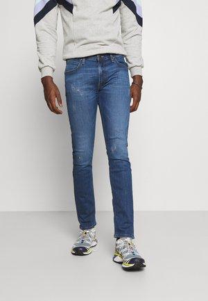 LUKE - Jeans slim fit - trashed cody